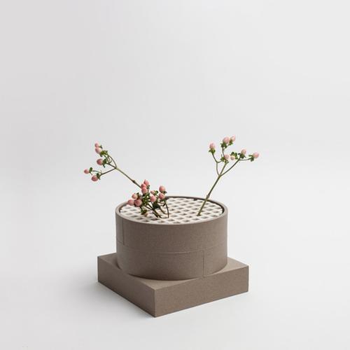Short Utility Vase | Brown