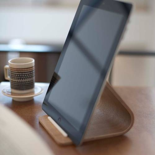 RIN | PLYWOOD TABLET STAND The Yamazaki