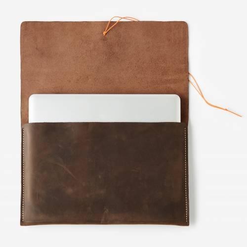 Avery Sleeve | Brown | Waltzing Matilda Accessories